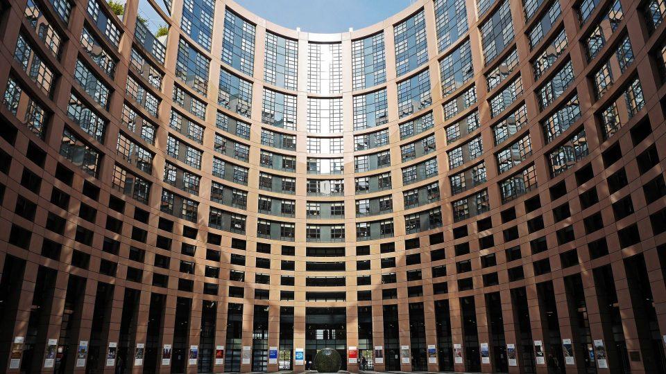 Tule harjoittelijaksi europarlamenttiin