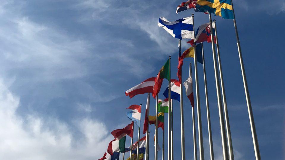 Euroopan maiden lippuja.