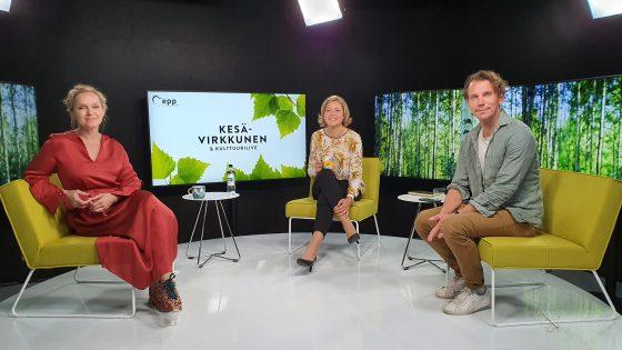 Henna Virkkunen, Anu Sinisalo ja Juha Itkonen Kesävirkkusen kuvauksissa