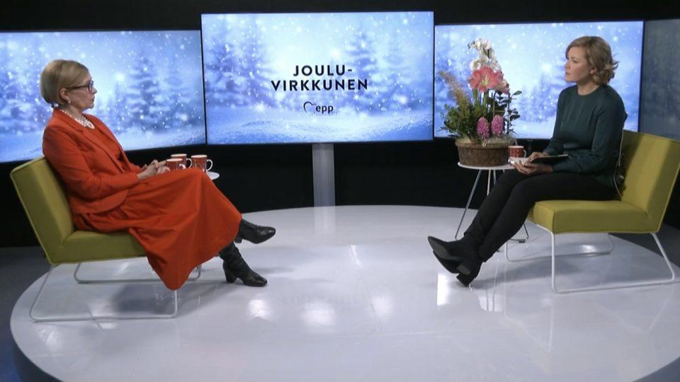 JouluVirkkunen: vieraana sivistysvaliokunnan puheenjohtaja Paula Risikko