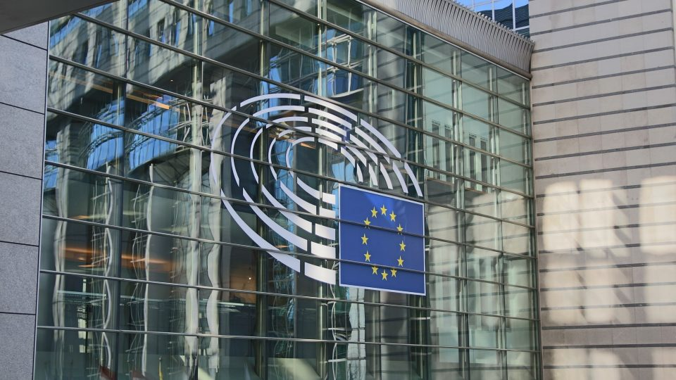 Euroopan parlamentin rakennus Brysselissä.